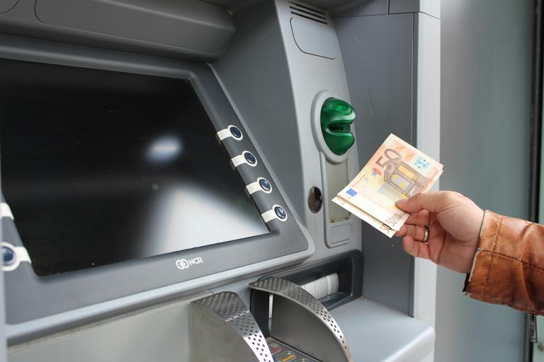 bankomat a eura